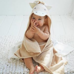 Elegant Baby Giraffe Hooded Towel