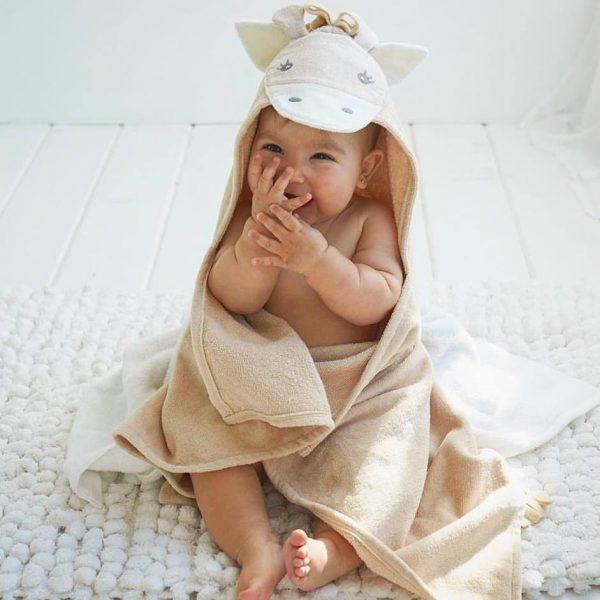Elegant Baby Giraffe Hooded Towel